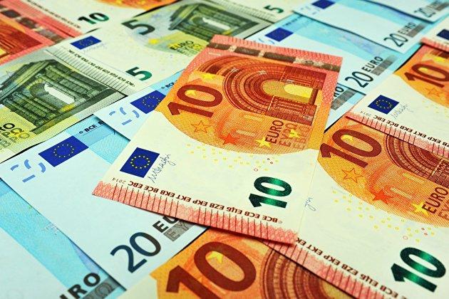 Евро дешевеет на статистике из Германии
