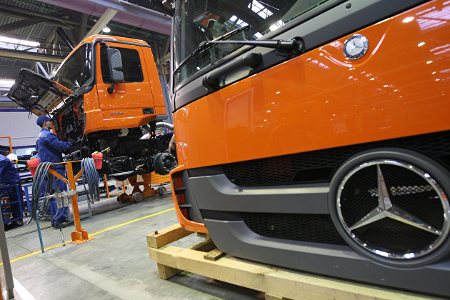 """Daimler перевел свой пакет в """"Камазе"""" на грузовую """"дочку"""""""