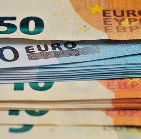 Банкноты номиналом 10 , 20 и 50 евро