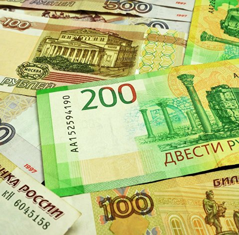 Рубль укрепляется на улучшении внешнего фона