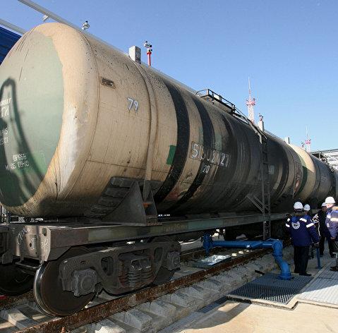 Цистерна с нефтью
