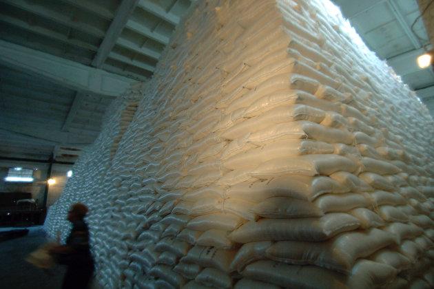 Власти высказались о проблемах с закупкой масла и сахара