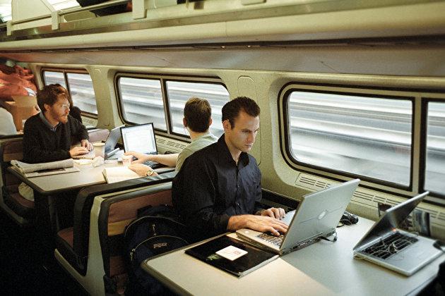 Пассажиры за работой