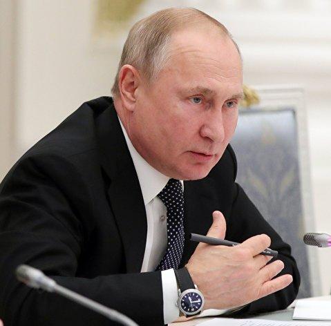 Путин поручил выделить регионам помощь в 200 млрд рублей