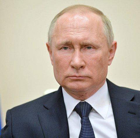 Путин: нерабочие дни и карантинные меры позволили сбить темп распространения COVID-19