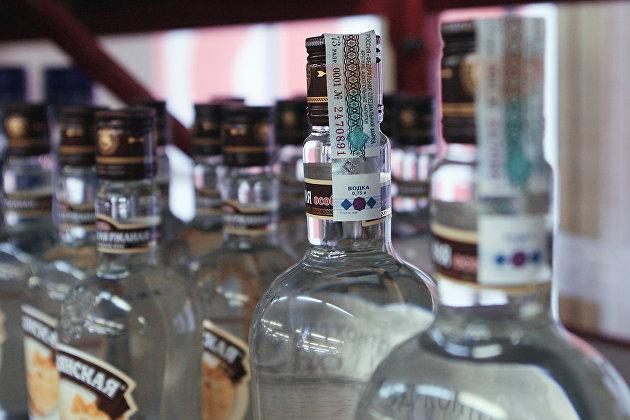 831202703 - Россияне могут столкнуться с дефицитом водки в магазинах