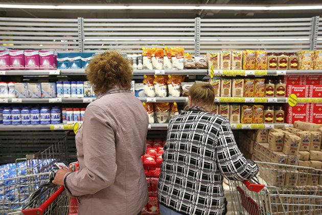 Названы магазины, которые не стали повышать цены на гречку и сахар