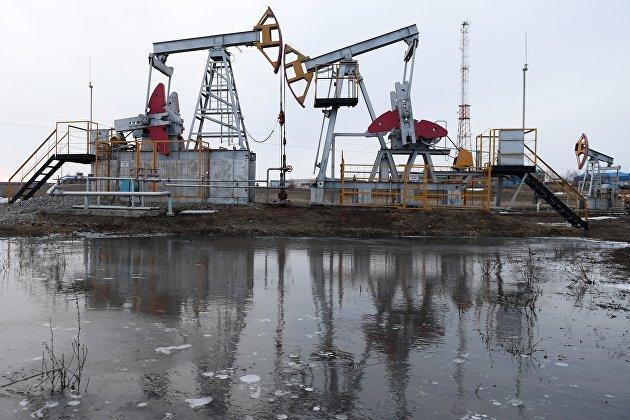 Нефть дешевеет на 2% на новостях из Ливии