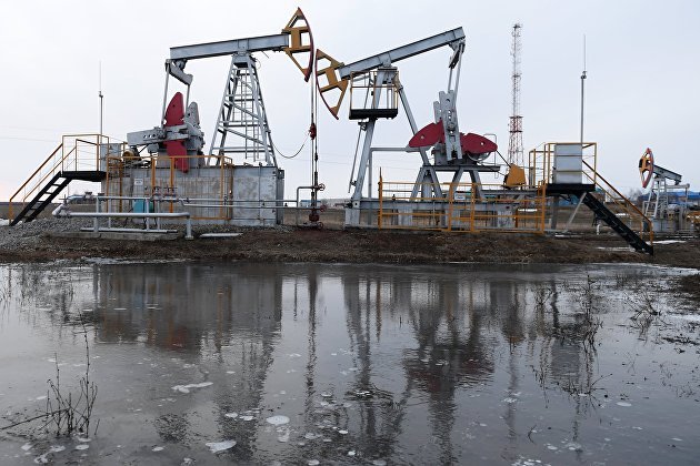 831351303 - Цены на нефть усиливают рост