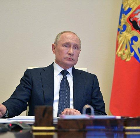 Путин поручил кабмину подготовить пакет экстренных мер поддержки экономики