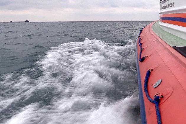 831418298 - Спасатели Морспасслужбы прибыли к месту ЧП с танкером в Азовском море
