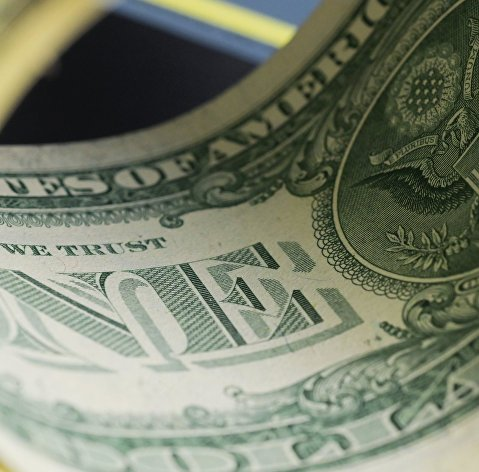 Курс доллара к мировым валютам растет на уходе инвесторов от риска