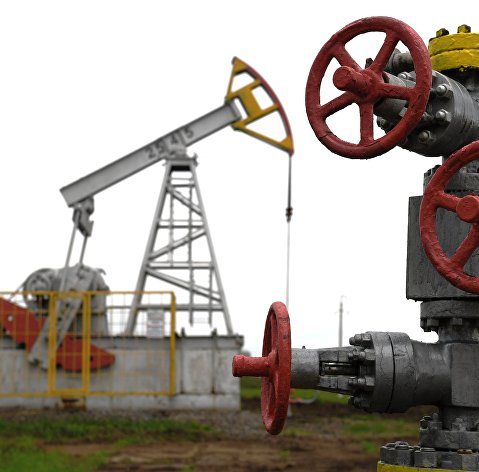 Цены на нефть сползают вниз из-за рисков для экономики