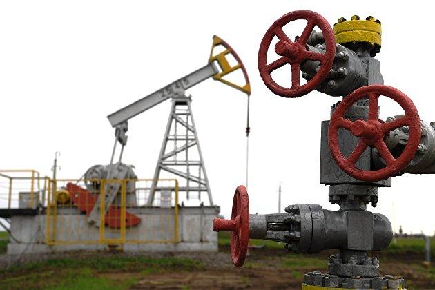 831435939 - Цены на нефть держатся в минусе