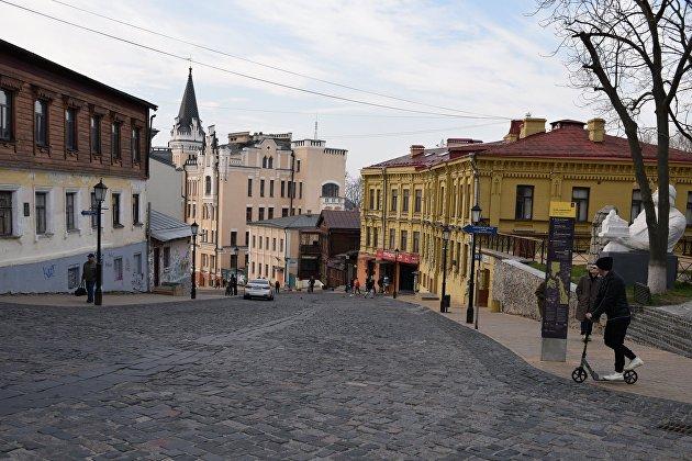 Средняя зарплата на Украине в июне выросла до 532 долларов