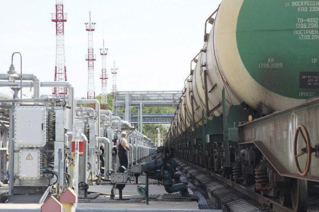 """В России будут введены спецтарифы """"Транснефти"""" и РЖД на транспортировку нефти"""