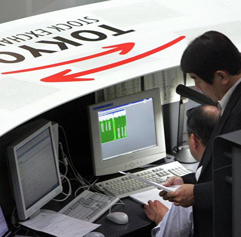 Токийская биржа готовится в пятницу возобновить работу после сбоя
