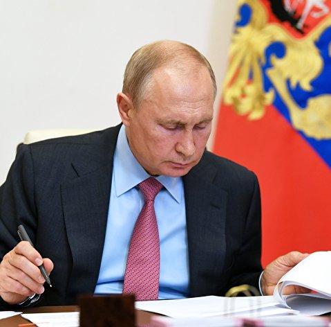 Путин одобрил прямую финасовую поддержку безработных и их семей