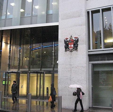 Бумаги российских компаний дешевеют в пределах 7,5% на торгах в Лондоне