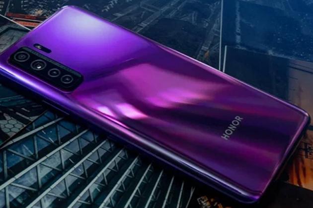 831696088 - Huawei решила продать бренд Honor из-за санкций США