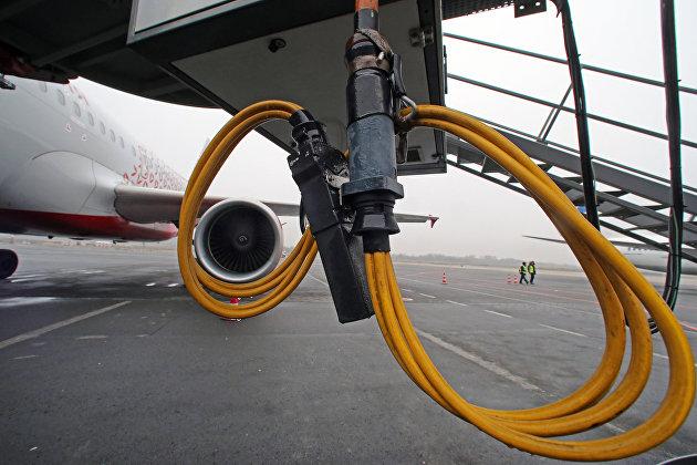 ФАС рекомендовала авиакомпаниям запастись керосином