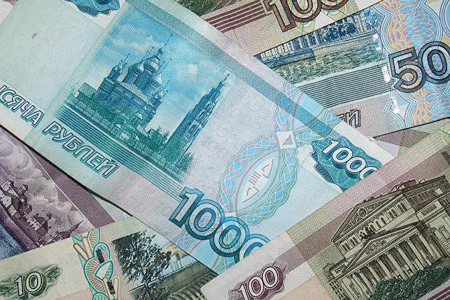 Денежная база в России в широком определении за январь-май сократилась на 11,25 проц до 7,2688 трлн руб /версия 1/