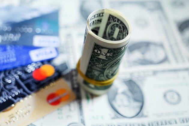 Рубль растет к доллару и к евро на общем усилении аппетита к риску