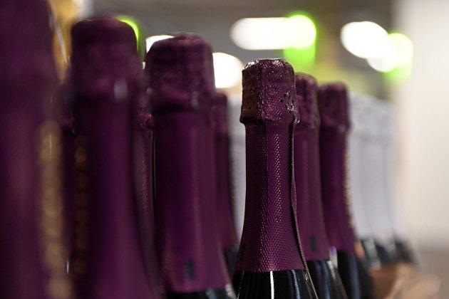 832675411 - Аналитики отметили падение спроса на шампанское перед этим Новым годом