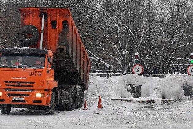 Ритейлеры оценили идею запрета поездок фур в снегопад