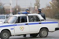 Сотрудники Дорожно-патрульной службы на месте происшествия в Каспийске