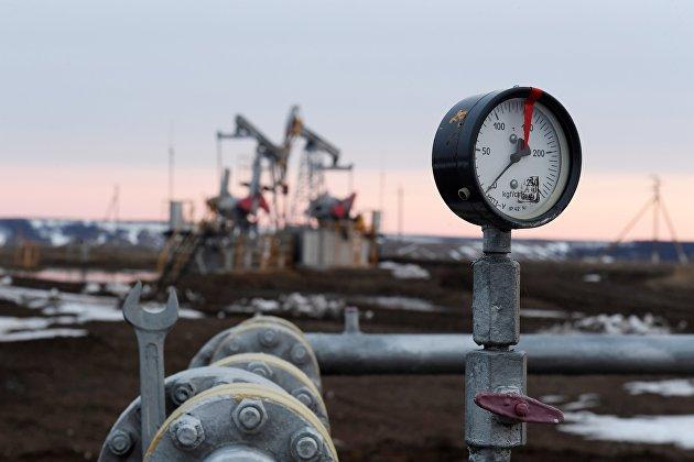 Цены на нефть колеблются в преддверии заседания ОПЕК+
