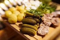 """Ингредиенты для приготовления салата """"Оливье"""""""