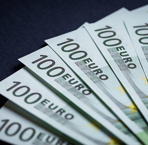 Россиян научили, на что лучше поменять доллары