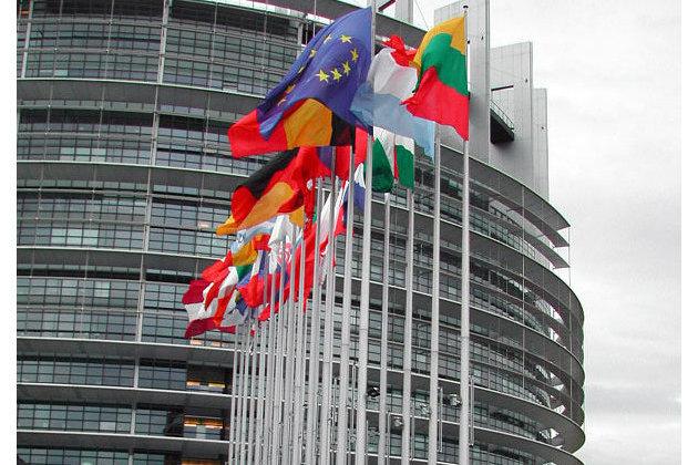 Европа объявила о начале третьей волны пандемии COVID