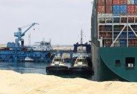 В Суэцком канале продолжаются работы по разблокированию движения судов