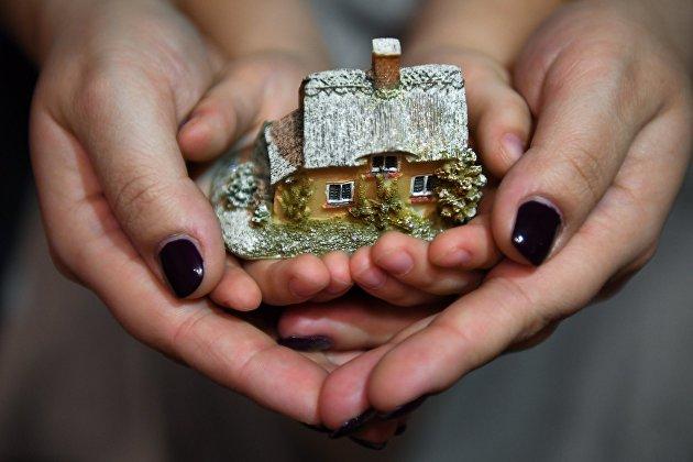 Мишустин расширил семейную ипотеку на частные дома