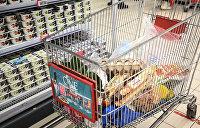 """ Тележка с продуктами в гипермаркете ""Ашан"""