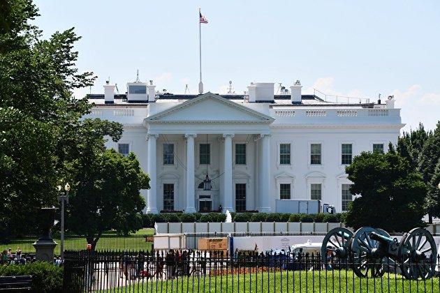 Забор у Белого дома в Вашингтоне станет выше