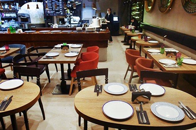 В рестораны с COVID-free зоной будут пускать по QR-коду