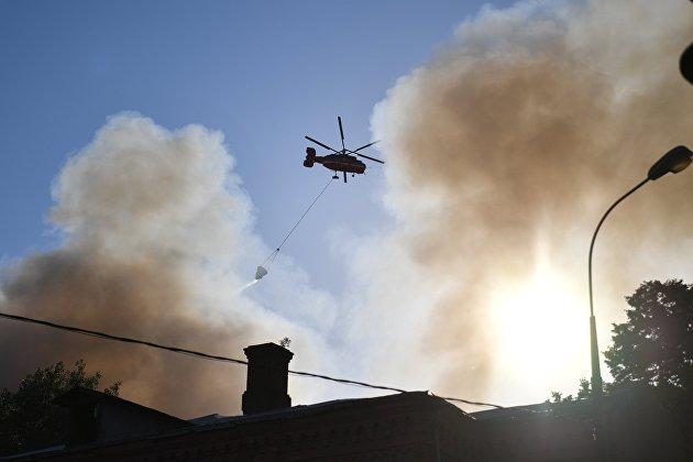 В Лужниках потушили открытый огонь на складе пиротехники