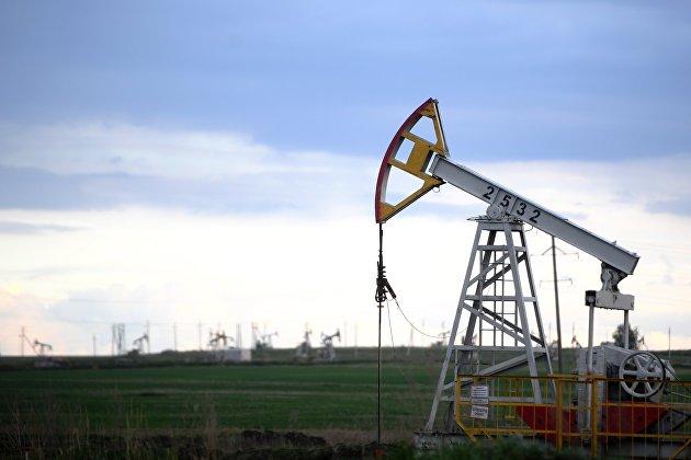 Фьючерсы на нефть во вторник закрылись снижением на фоне опасений относительно спроса