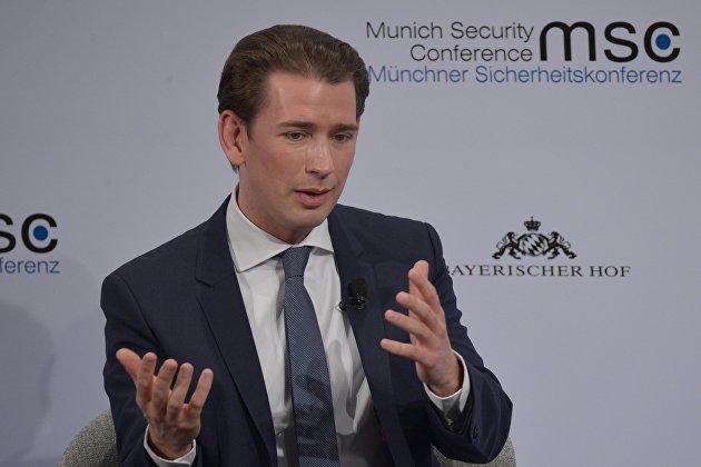 Канцлер Австрии Курц ушел в отставку на фоне коррупционного расследования против него